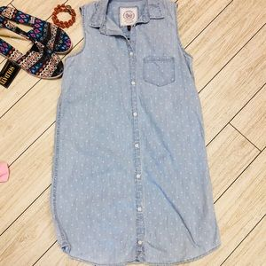 SO sleeveless light denim button-down dress/tunic